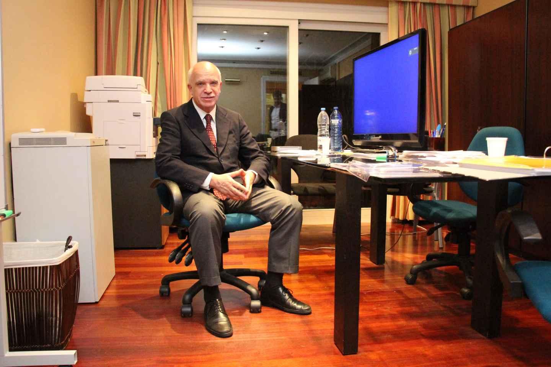 Eduardo Pascual, fotografiado en octubre de 2014 en la vivienda en la que se encontró la cámara acorazada.