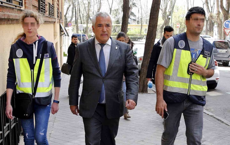 El líder de Ausbanc, Luis Pineda, en abril de 2016 cuando fue detenido en Madrid.