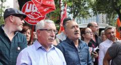 Los secretarios generales de CC.OO., Ignacio Fernández Toxo, y UGT, Pepe Álvarez, encabezan una manifestación en favor de los salarios.