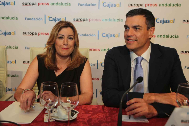 Susana Díaz y Pedro Sánchez, en un desayuno informativo.