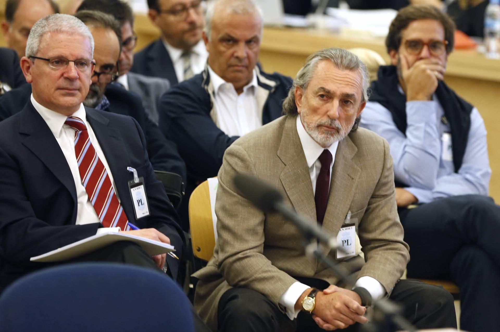 Francisco Correa, junto a Pablo Crespo durante una declaración.