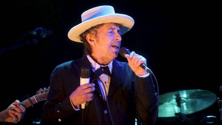 Bob Dylan no recogerá el Premio Nobel