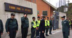 El director general de la Guardia Civil, Arsenio Fernández de Mesa, en su visita al cuartel de Alsasua.
