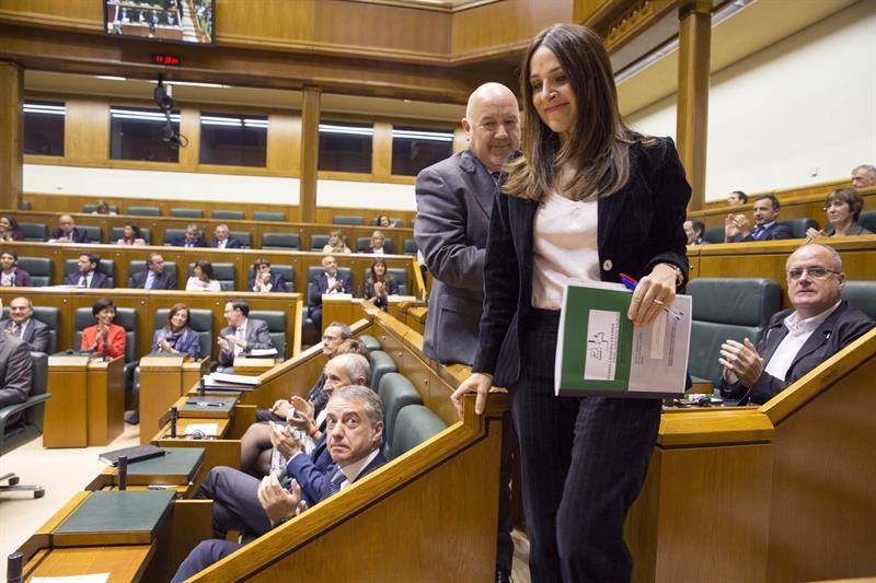 Bakartxo Tejeria, reelegida presidenta del Parlamento Vasco.