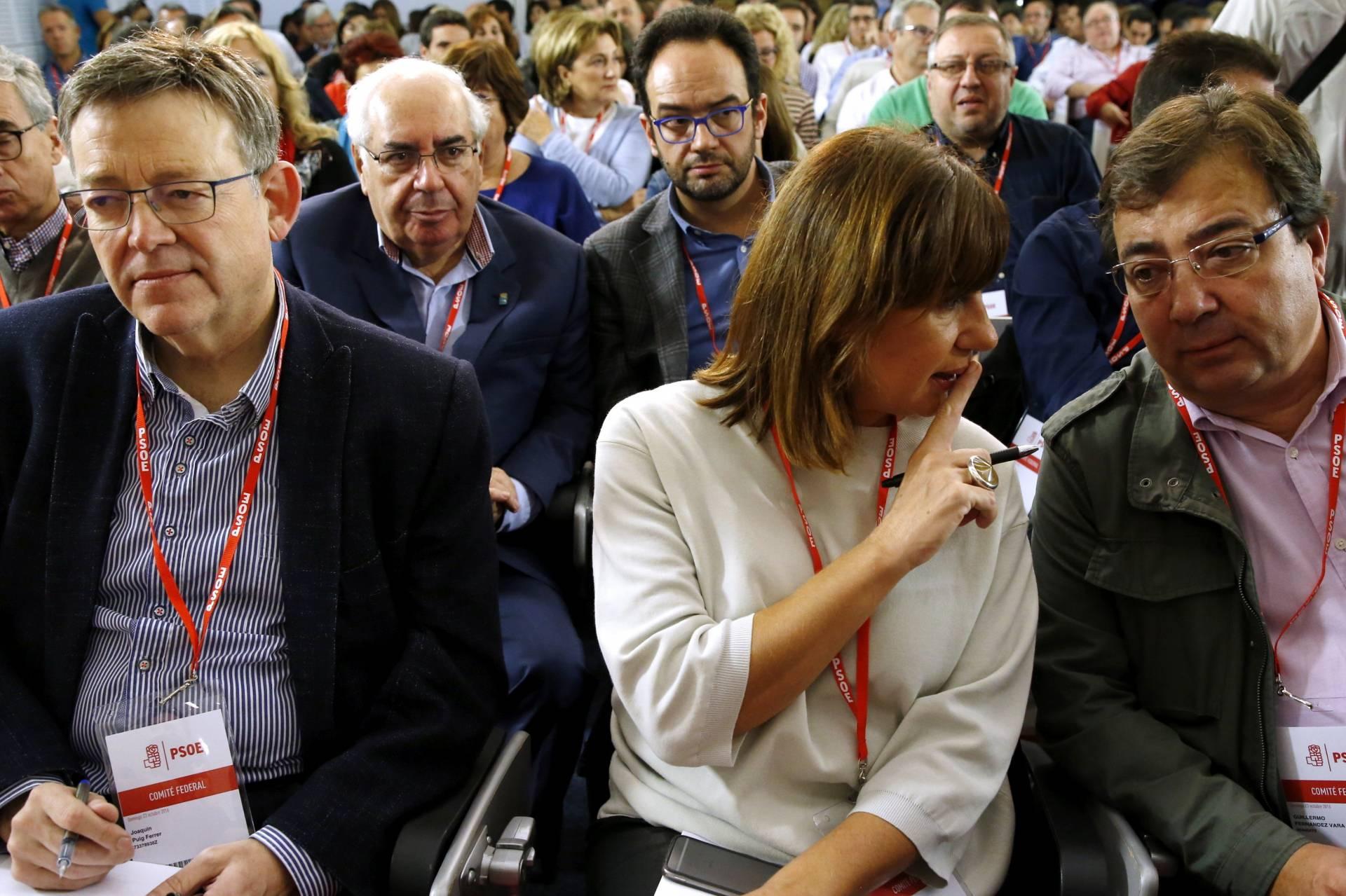 Armengol, entre Ximo Puig y Fernández Vara en el Comité Federal del PSOE.