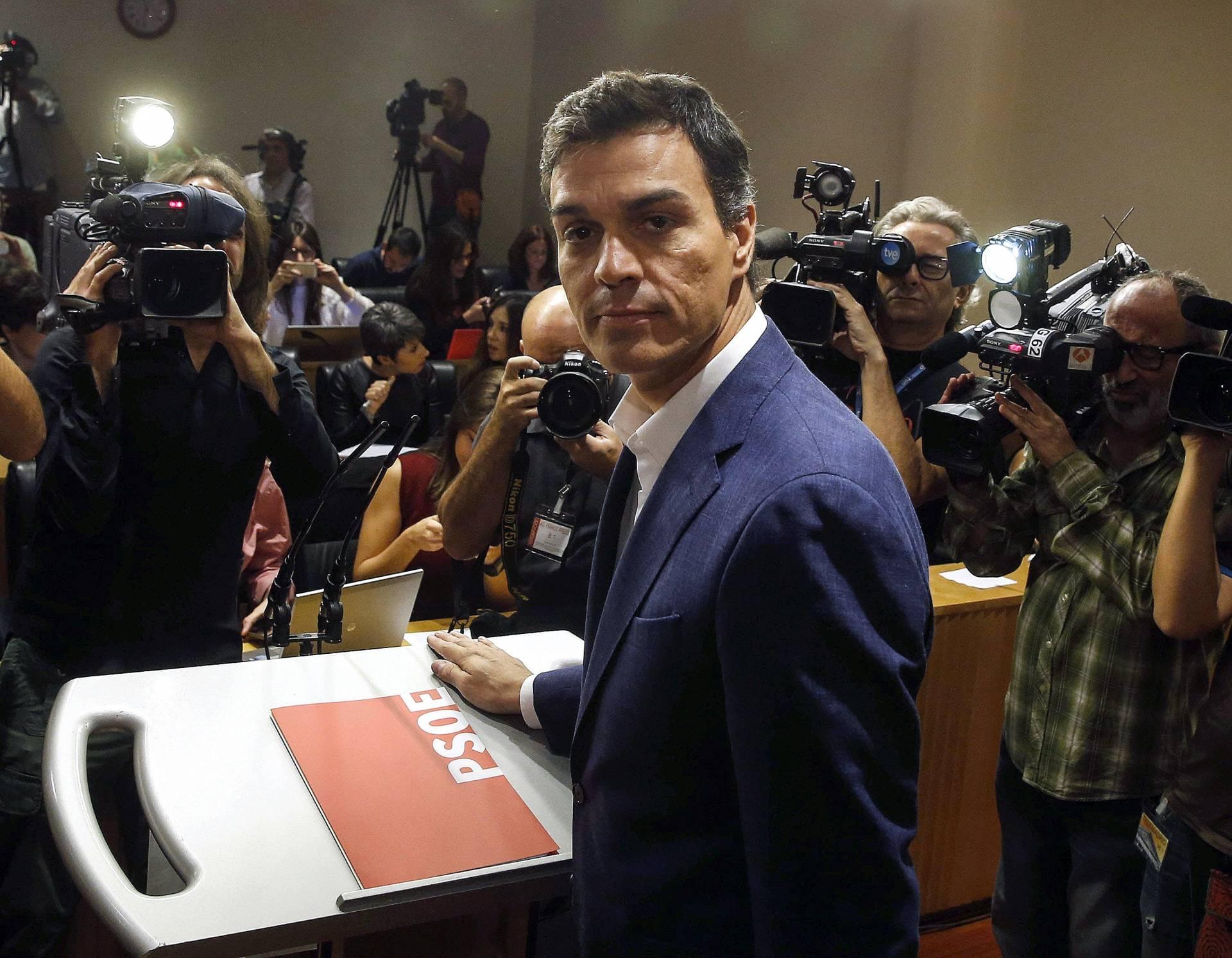 Pedro Sánchez anuncia que deja el escaño.