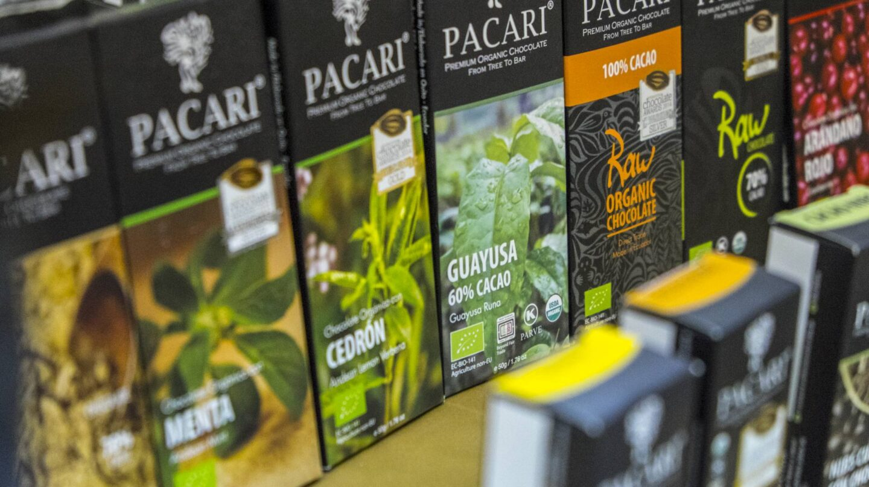 Algunas de las múltiples variedades de chocolate que ofrece Pacari.
