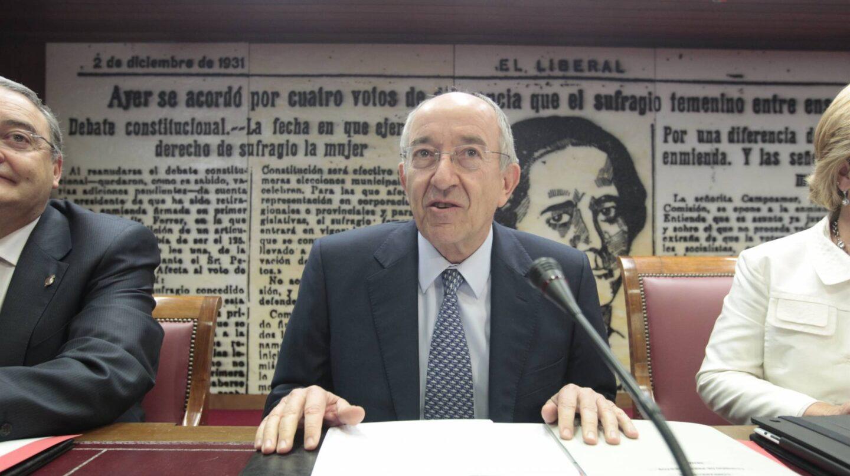 El ex gobernador del Banco de España Miguel Ángel Fernández Ordóñez en sede parlamentaria.