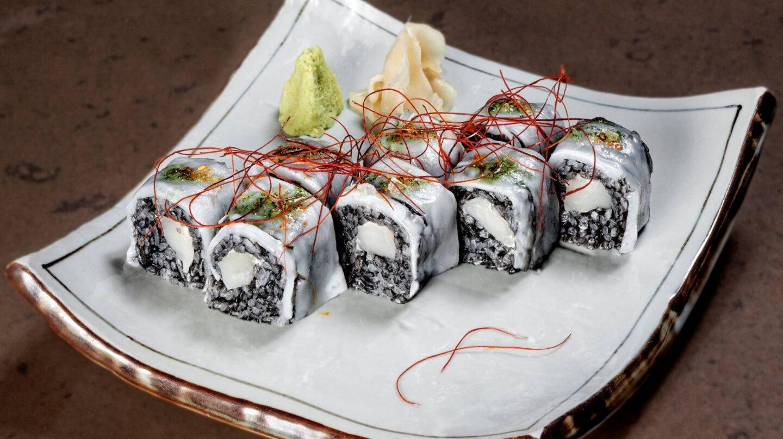 ika-maki-rollo-de-calamar-y-vieira-en-arroz-negronines-minguez