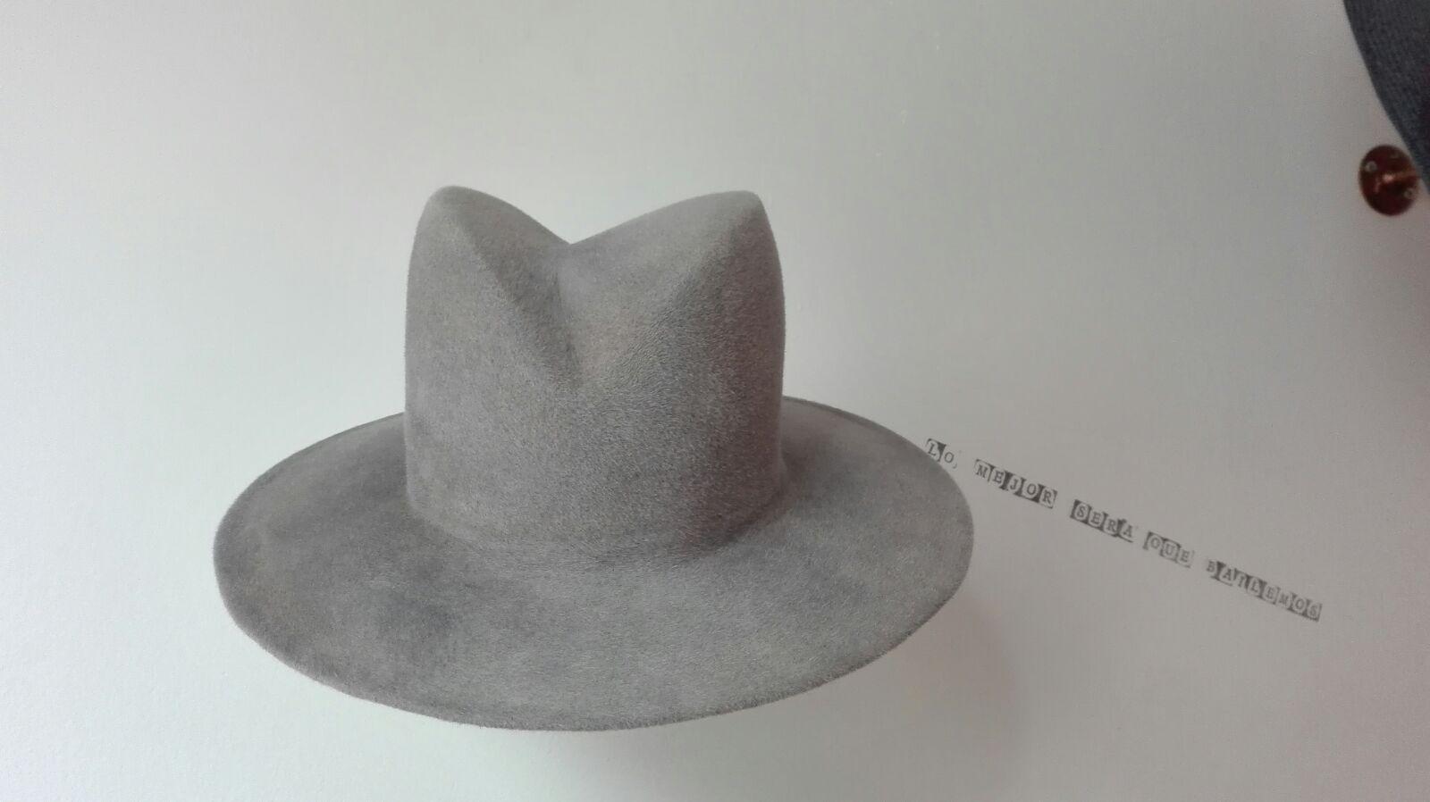 El fieltro sigue siendo el material estrella en los sombreros de invierno.