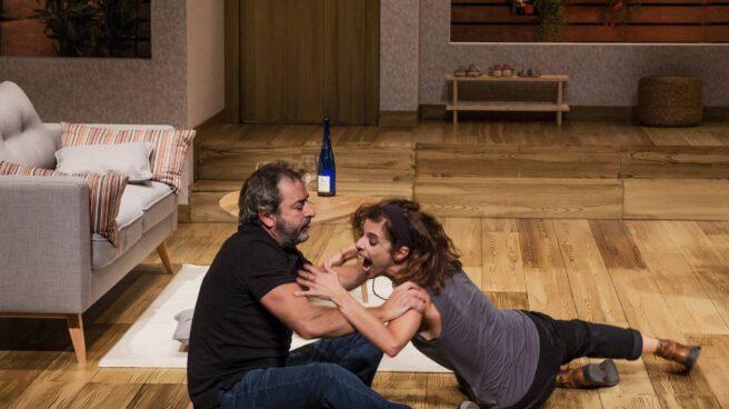 Maribel Verdú y Jorge Bosch, en una escena de 'Invencible'.Maribel Verdú y Jorge Bosch, en un a escena de 'Invencible'.