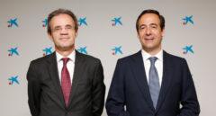 Jordi Gual, presidente de Caixabank, y Gonzalo Gortazar, consejero delegado del banco.