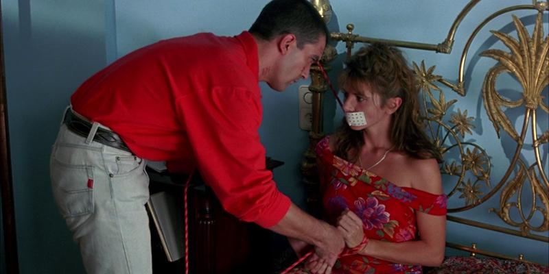 '¡Átame!' (1990) fue clasificada en Estados Unidos como película X.