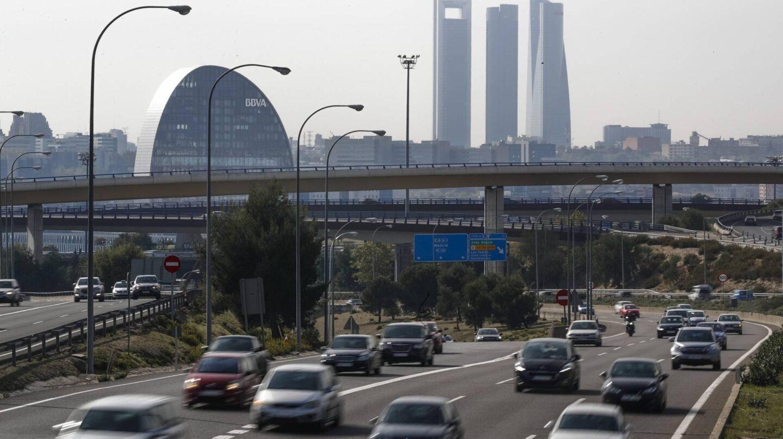 Tráfico de coches en la ciudad de Madrid.