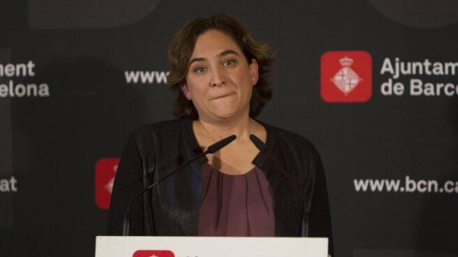 La alcaldesa de Barcelona, Ada Colau, este miércoles en el Ayuntamiento de Barcelona.