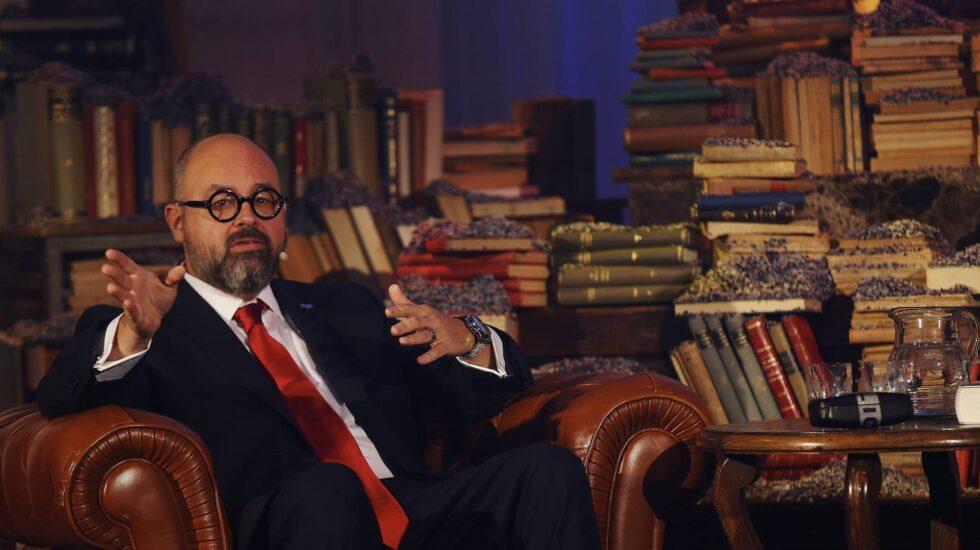 Carlos Ruiz Zafon en el Tibidabo barcelones.