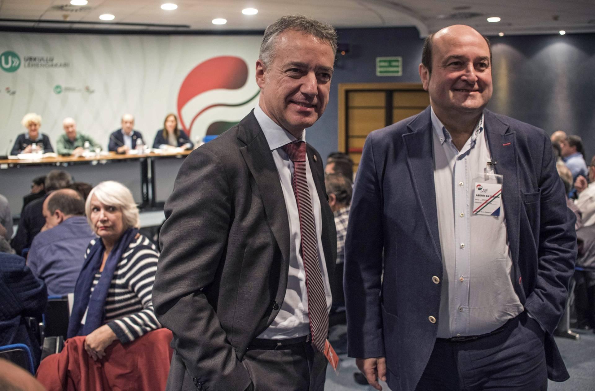 El lehendakari Iñigo Urkullu y el presidente del PNV, Andoni Ortuzar, durante la Asamblea Nacional del PNV.