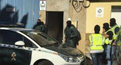 Un equipo de asalto de la Guardia Civil lleva a cabo una operación anti yihadista en Gran Canaria.