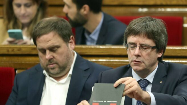 Oriol Junqueras y Carles Puigdemont, este miércoles durante la sesión de control al Govern.