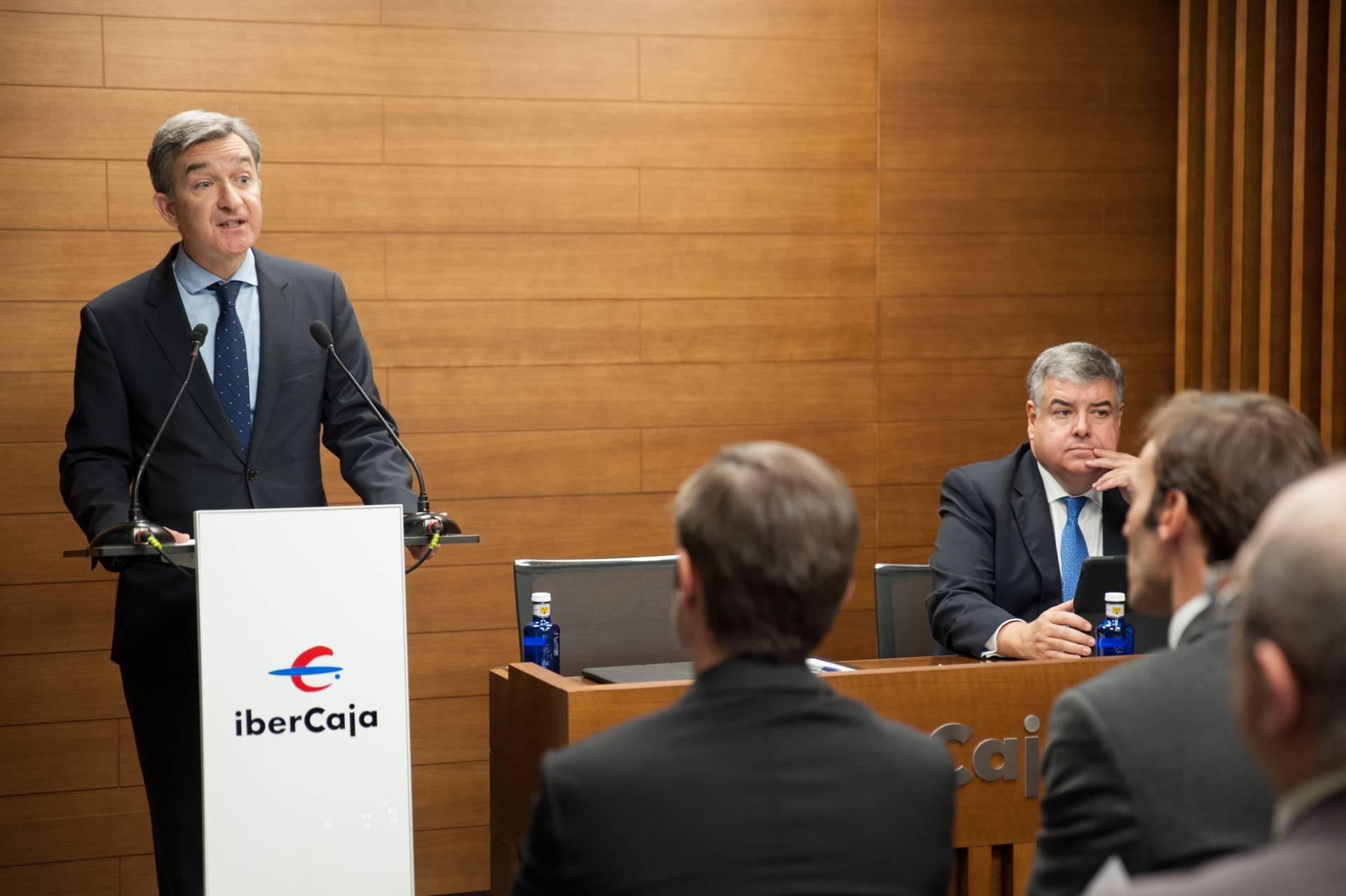 El Consejero delegado de Ibercaja, Víctor Iglesias, durante su intervención en el acto.