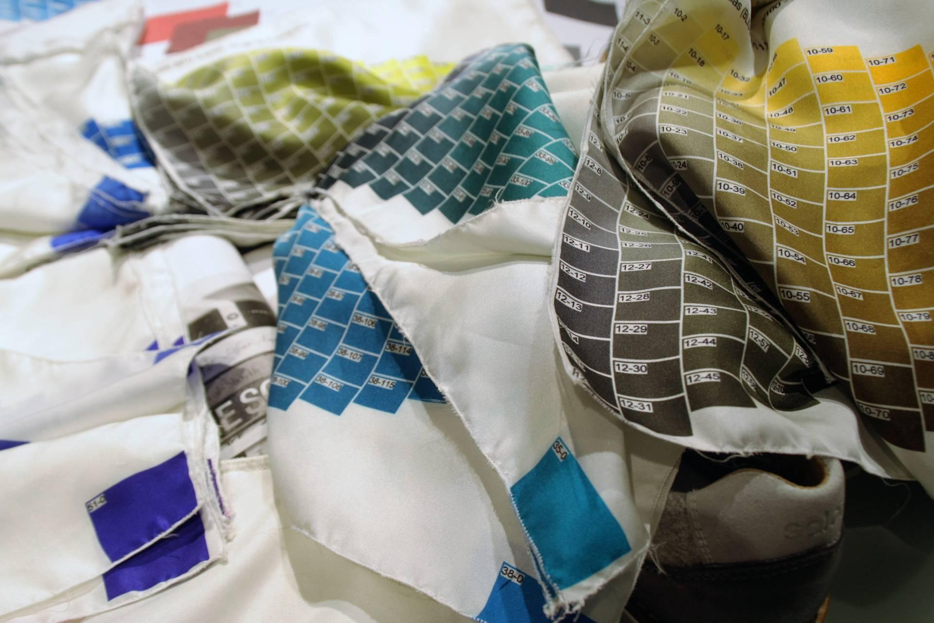 También existe un Pantone especial para estampar la seda.