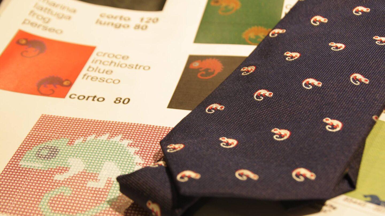 En el taller madrileño de SOLOiO se diseñan los estampados de las corbatas.
