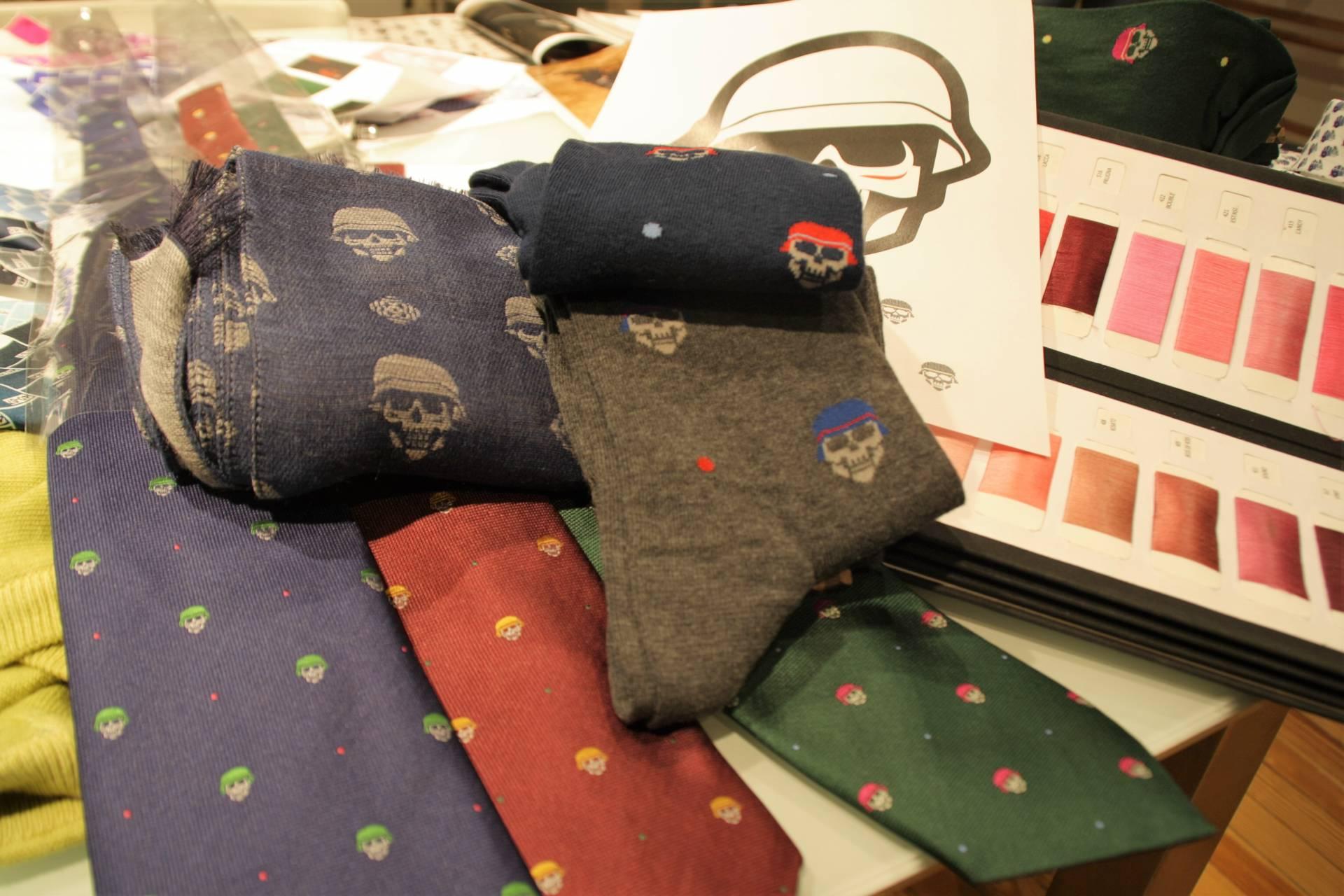 Las calaveras están muy de moda. En SOLOiO llenan desde corbatas hasta calcetines.