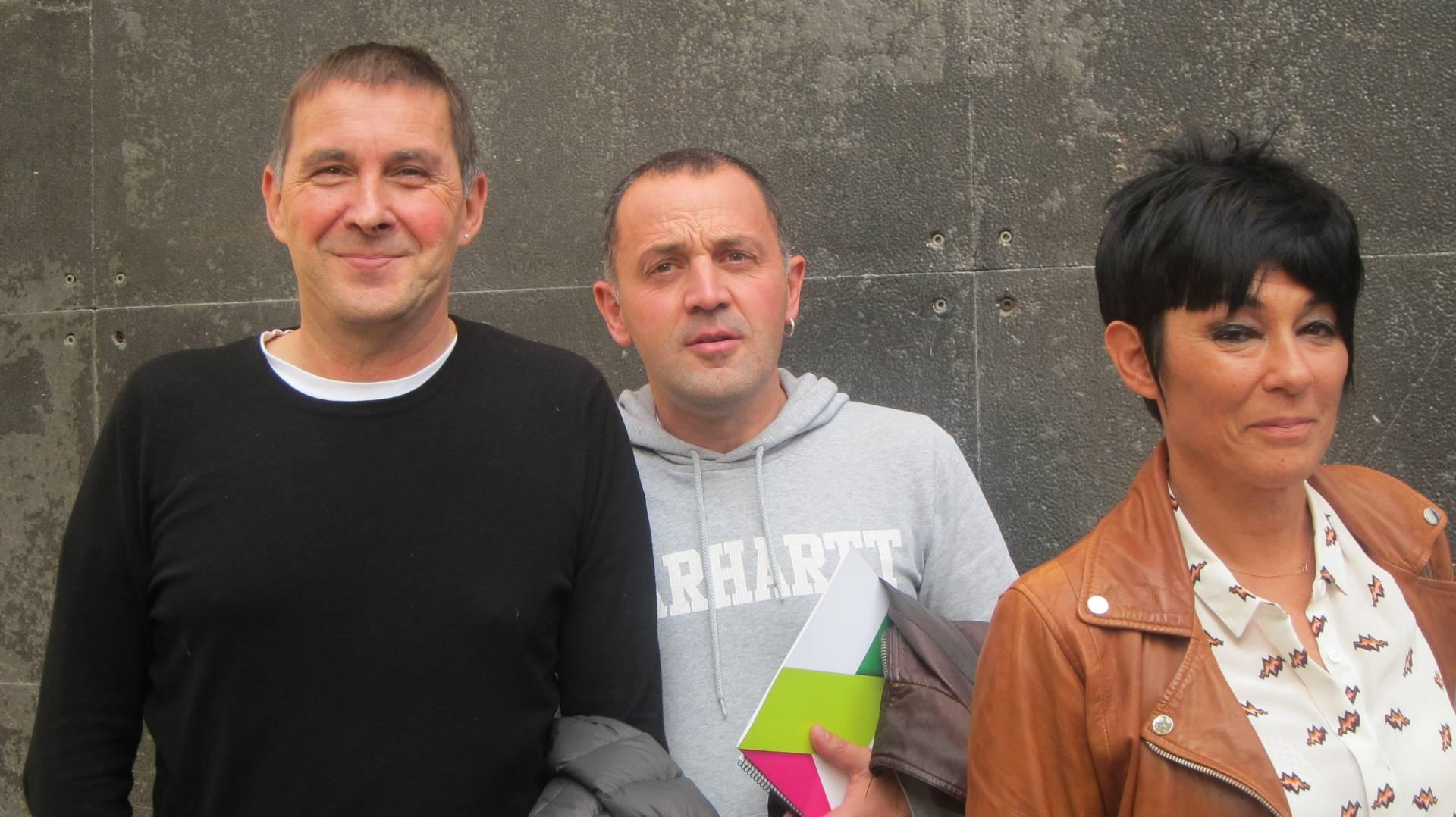Arnaldo Otegi, Unai Urruzno y Maddalen Iriarte, la candidata a lehendakari de EH Bildu.