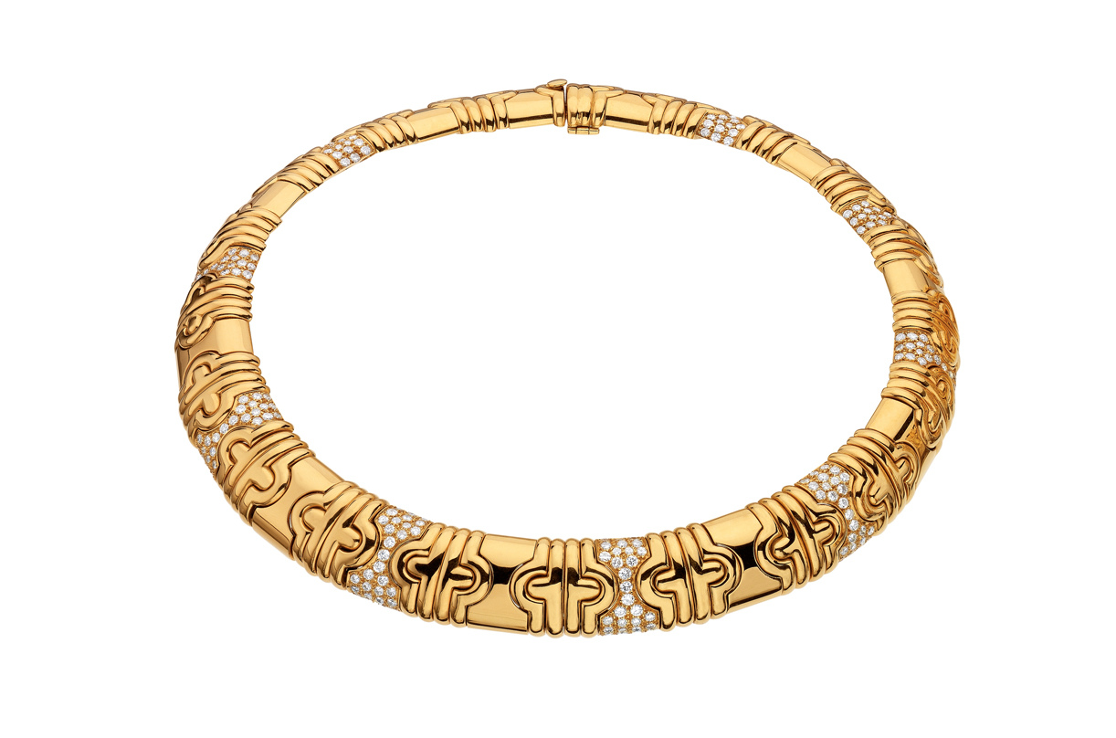 Collar 'Parentesi' de Bulgari (1982) en oro de 18 quilates y diamantes.