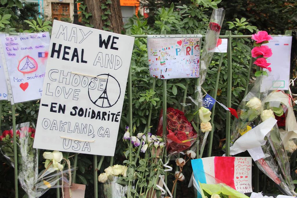 Mensajes tras los atentados del 13 de noviembre en París.
