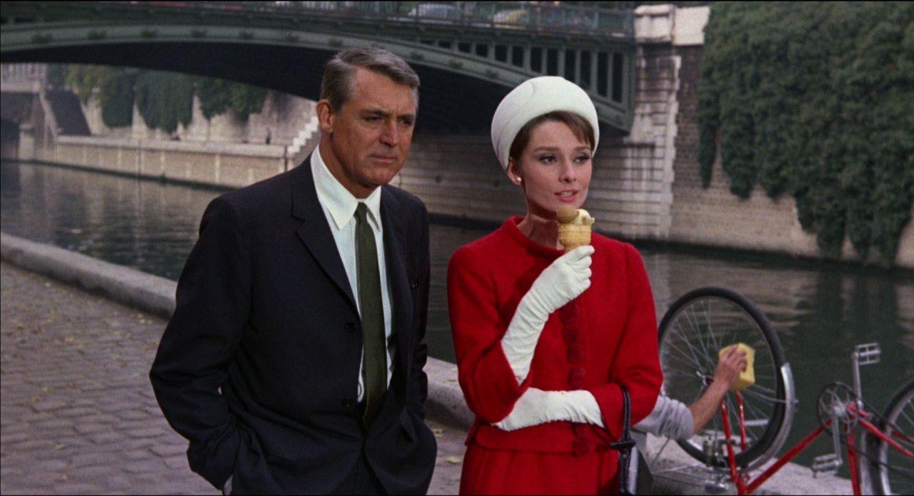 Cary Grant y Audrey Hepburn en 'Charada'
