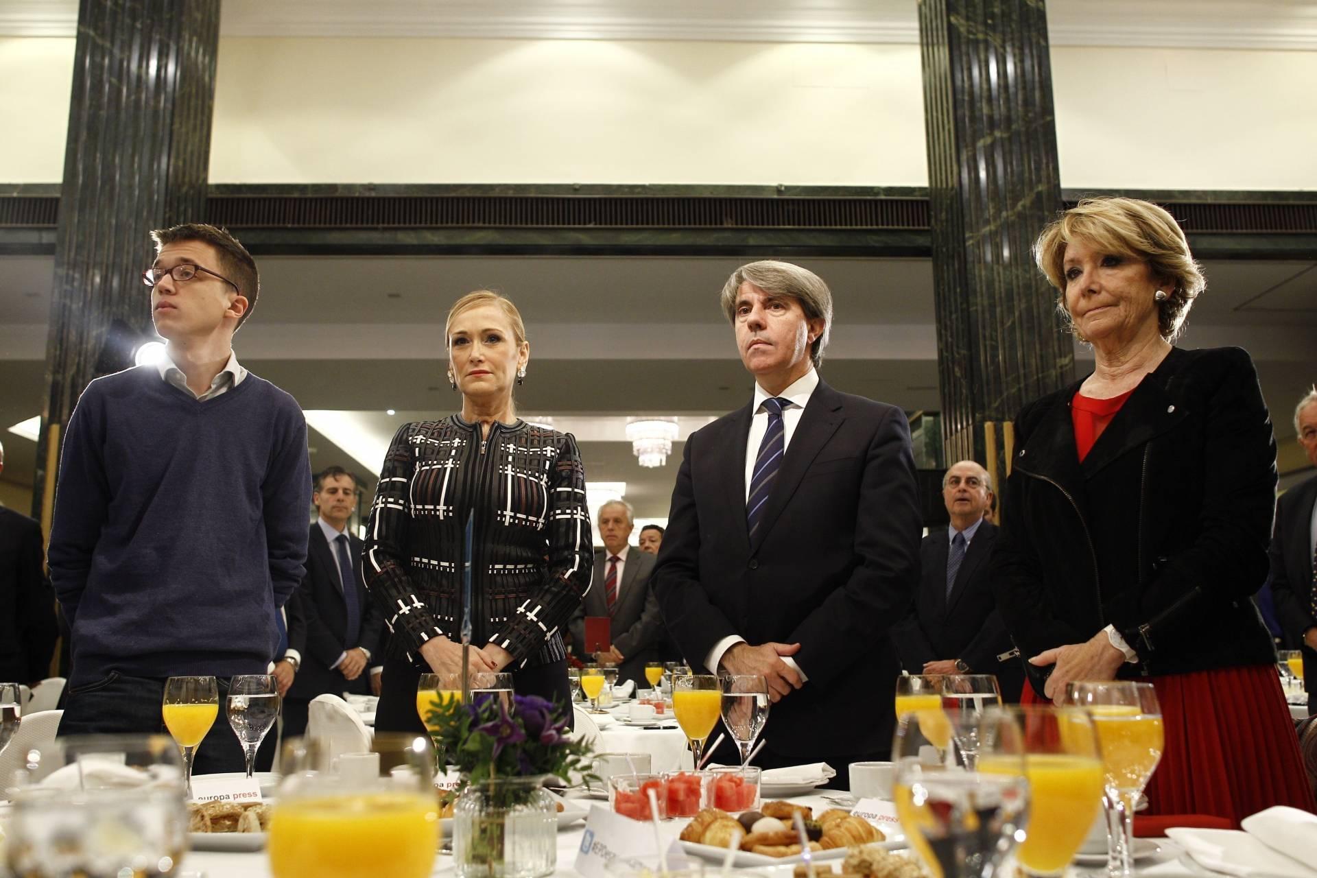 Errejón, Cifuentes y Aguirre durante un desayuno informativo,