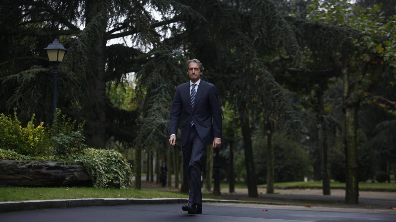 Íñigo De La Serna llega a Moncloa el día de su toma de posesión como ministro de Fomento.