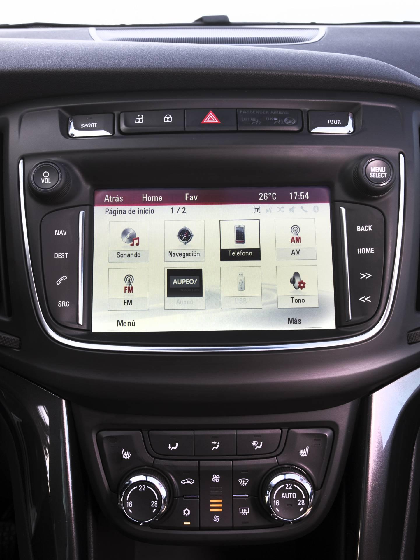 El sistema multimedia IntelliLink con pantalla táctil de 7 pulgadas del Zafira es compatible con las tecnologías Apple Car Play y Android Auto.