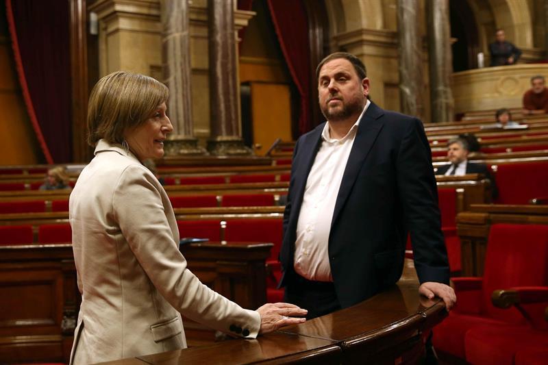 La presidenta del Parlament, Carme Forcadell, junto a Oriol Junqueras.