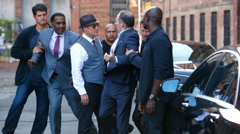 James Spader, con chaleco, protagoniza 'Blacklist'.