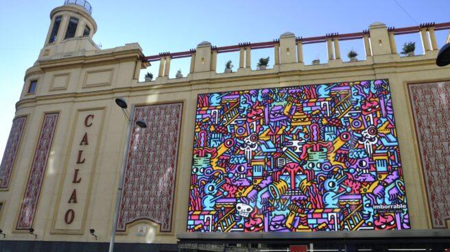 Las pantallas gigantes de los Cines Callao con la obra de Juan Díaz Faes.