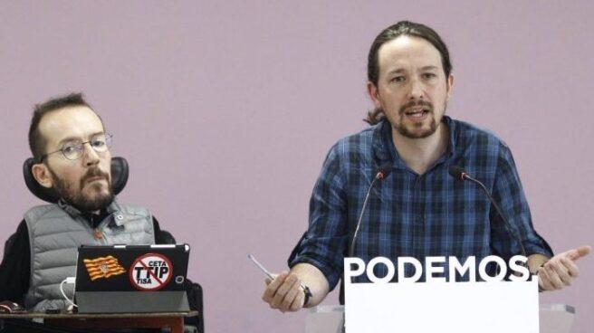 Pablo Iglesias y Pablo Echenique, este lunes en rueda de prensa.