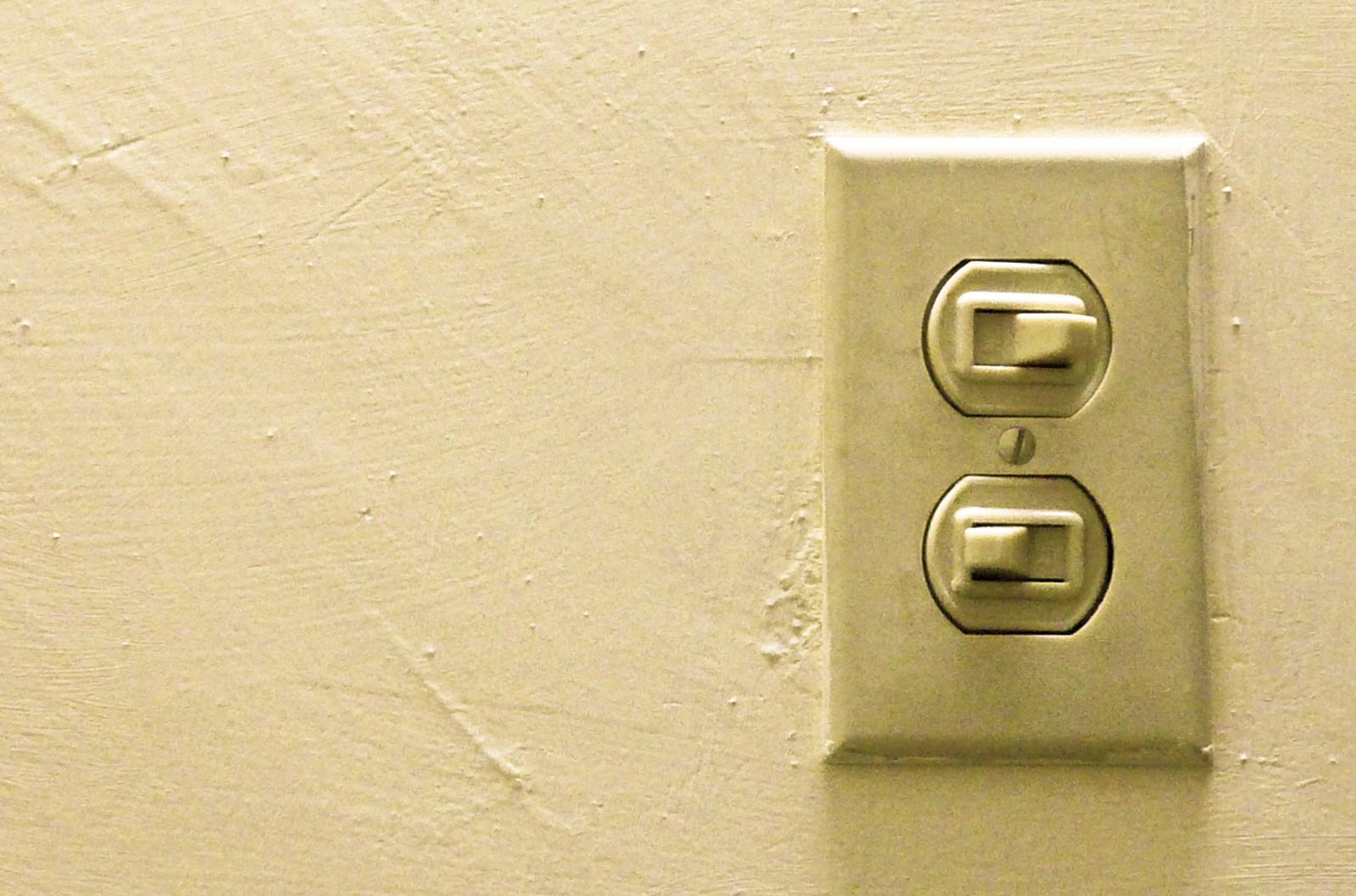 Interruptor de la luz. Compañías eléctricas.
