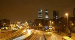 La M-30 de Madrid, de noche.