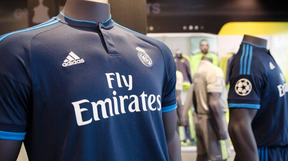 Camistetas oficiales del Real Madrid.