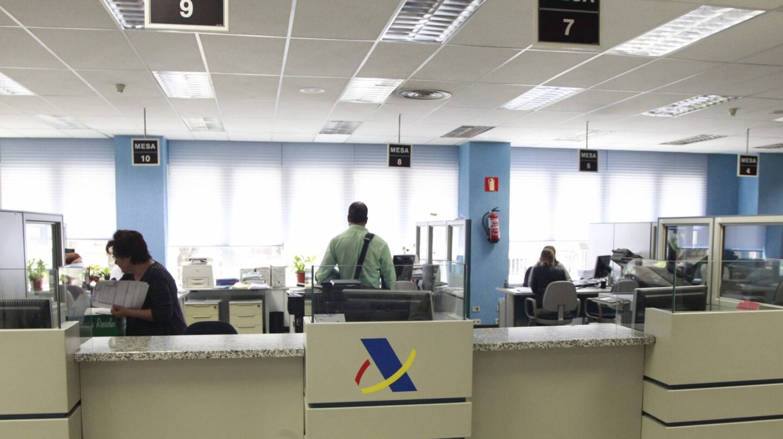 Hacienda dejar de perseguir en 2017 el dinero oculto en for Oficina tributaria madrid