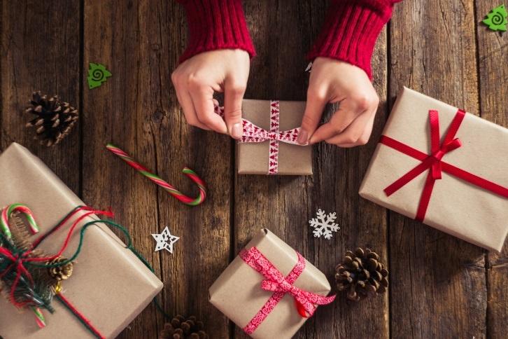 Gadgets para regalar esta Navidad por menos de 90 euros