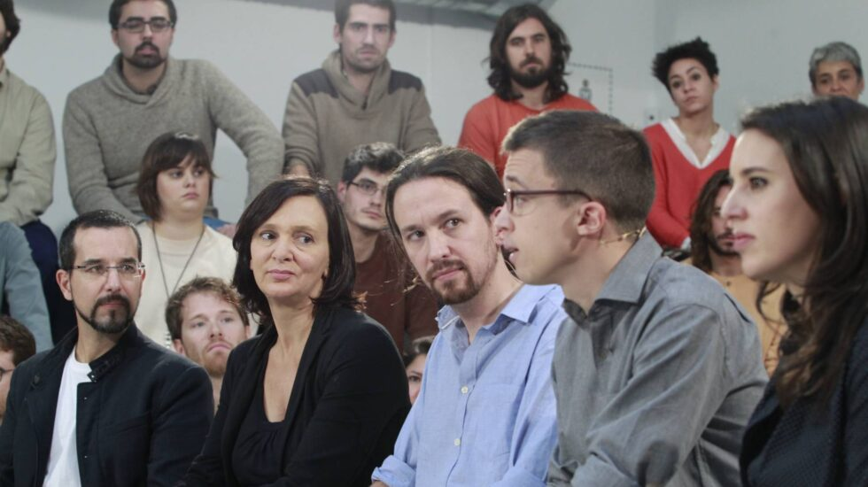 Sergio Pascual, Carolina Bescansa, Pablo Iglesias, Iñigo Errejón e Irene Montero.