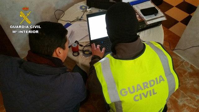 Imagenes de la operación contra el yihadismo en Ceuta.
