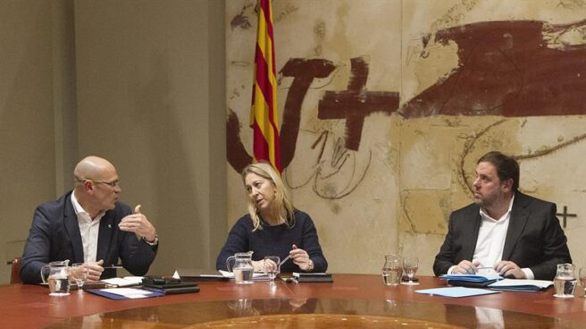 Raül Romeva, Neus Munté y Carles Puigdemont.