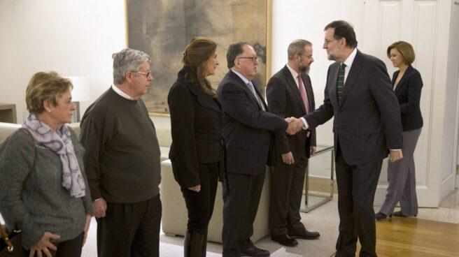 Rajoy con las familias de las victimas del Yak 42