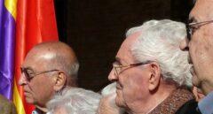 Marcelino Camacho (en primer plano) y Nicolás Redondo (al fondo), en un acto homenaje a presos políticos en al año 2008.