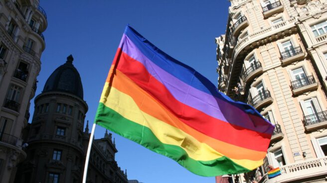 Bandera LGTBI en el Orgullo de Madrid.