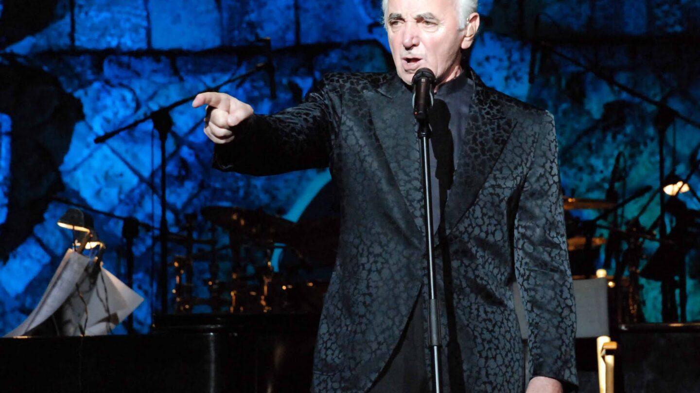 Charles Aznavour sigue en activo a sus 92 años.